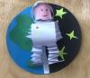«Космонавт в космосе»
